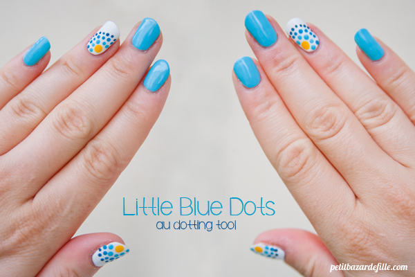 nails31-littlebluedots06